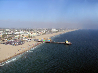 Aerial view of the Santa Monica pier and beach Foto: © JCS / Wikimedia Commons / , via Wikimedia Commons